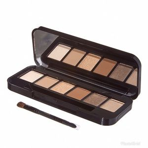 Sephora Makeup - Buxom May Contain Nudity Eyeshadow Palette